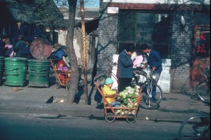 Peking: Einkaufswagen. Foto: Ulrich Horb