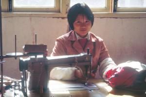 Volkskommune Ma Qiao: Textilarbeiterin. Foto: Ulrich Horb