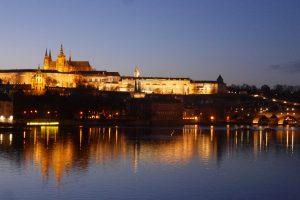 Prag: Blick über die Moldau zur Burg. Foto: Ulrich Horb