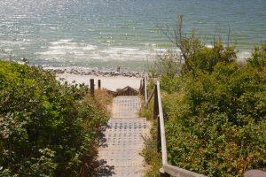 Treppe zum Strand von Kloster. Foto: Ulrich Horb